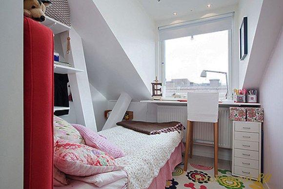 дизайн спальни в мансардном доме фото #14